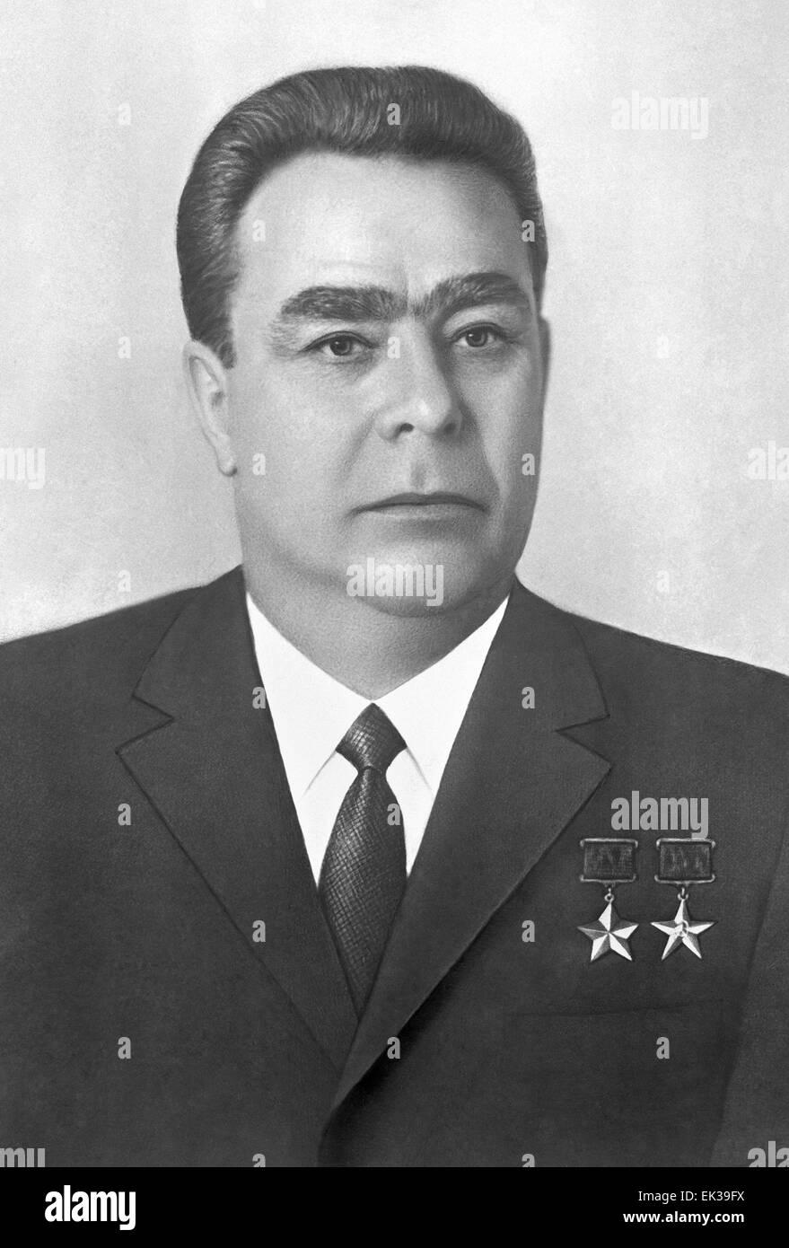leonid brezhnev Leonid brezhnev en la inauguración del 18vo congreso del partido comunista, 1978 11 ¿por qué los ciudadanos soviéticos continúan obedeciendo a las.