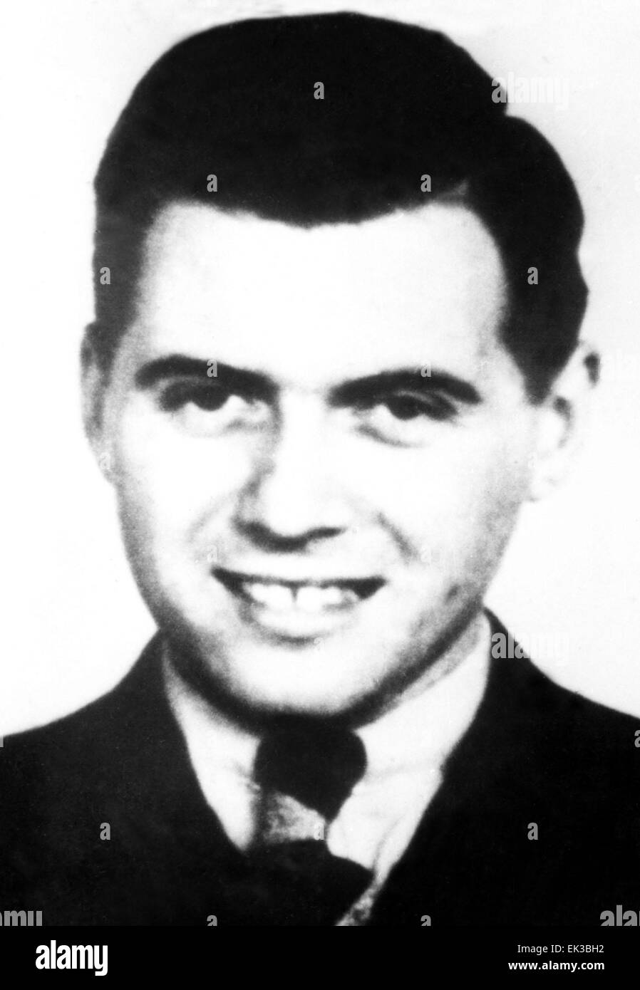 essay on dr josef mengele Dr josef mengele was the notorious ss doctor that performed pseudoscientific medical experiments on twins and others at auschwitz.