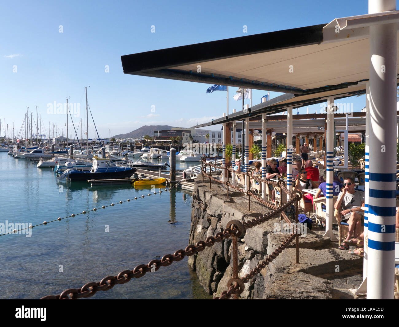 alfresco dining view people stock photos u0026 alfresco dining view