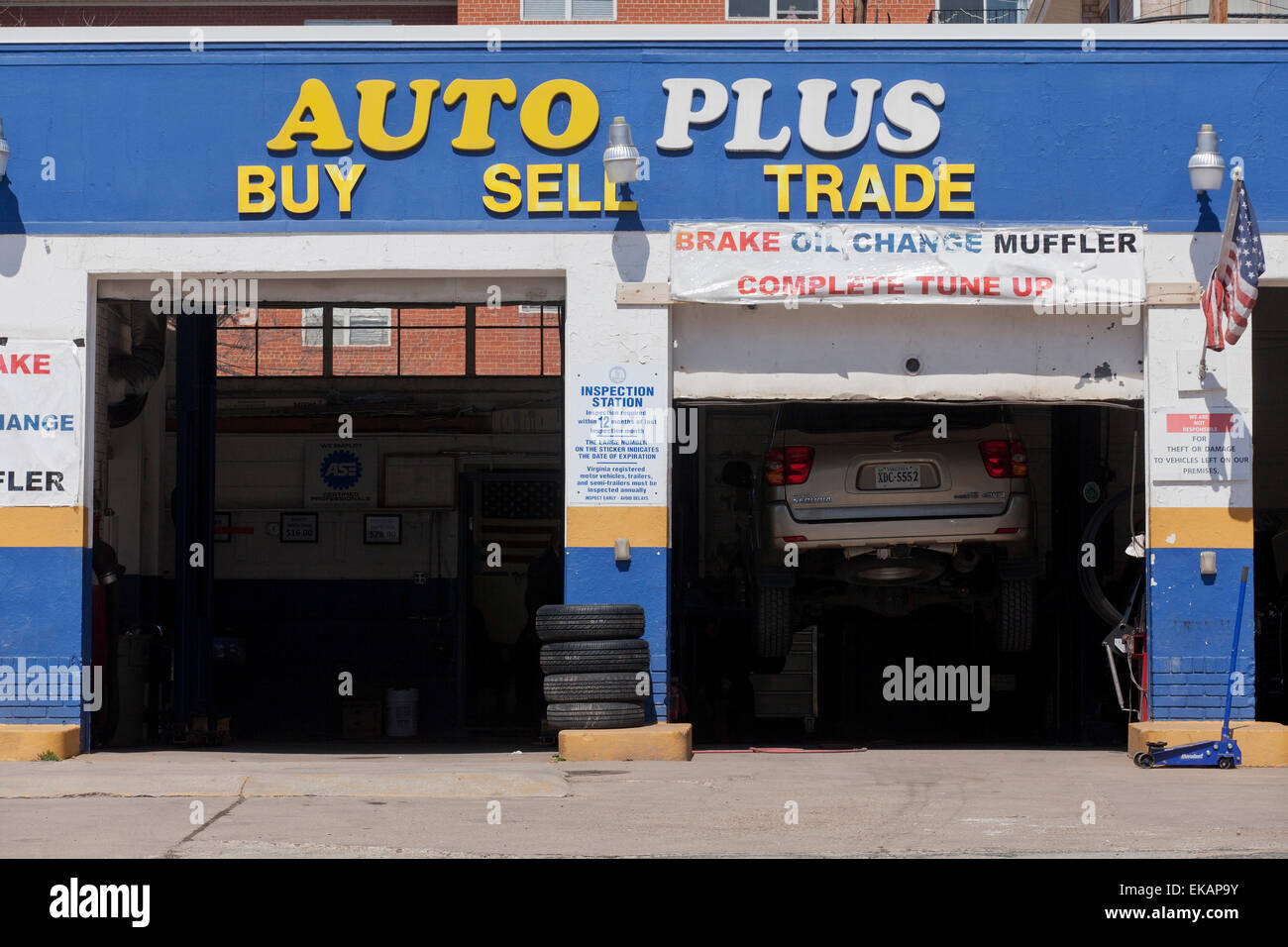 Auto repair garage at used car dealer arlington virginia usa stock image
