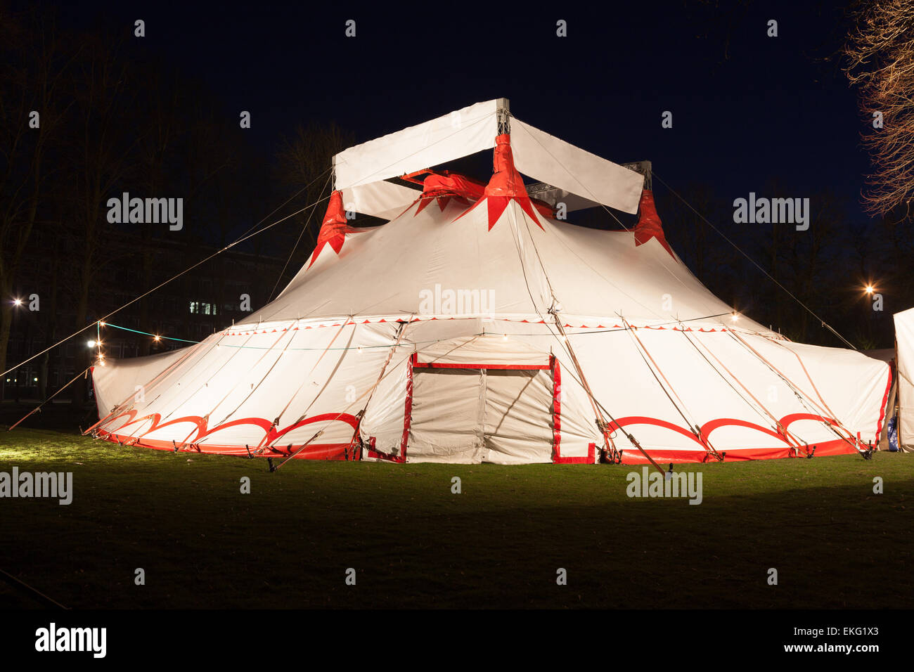 Big top circus tent Illuminated at night & Big top circus tent Illuminated at night Stock Photo: 80872683 - Alamy