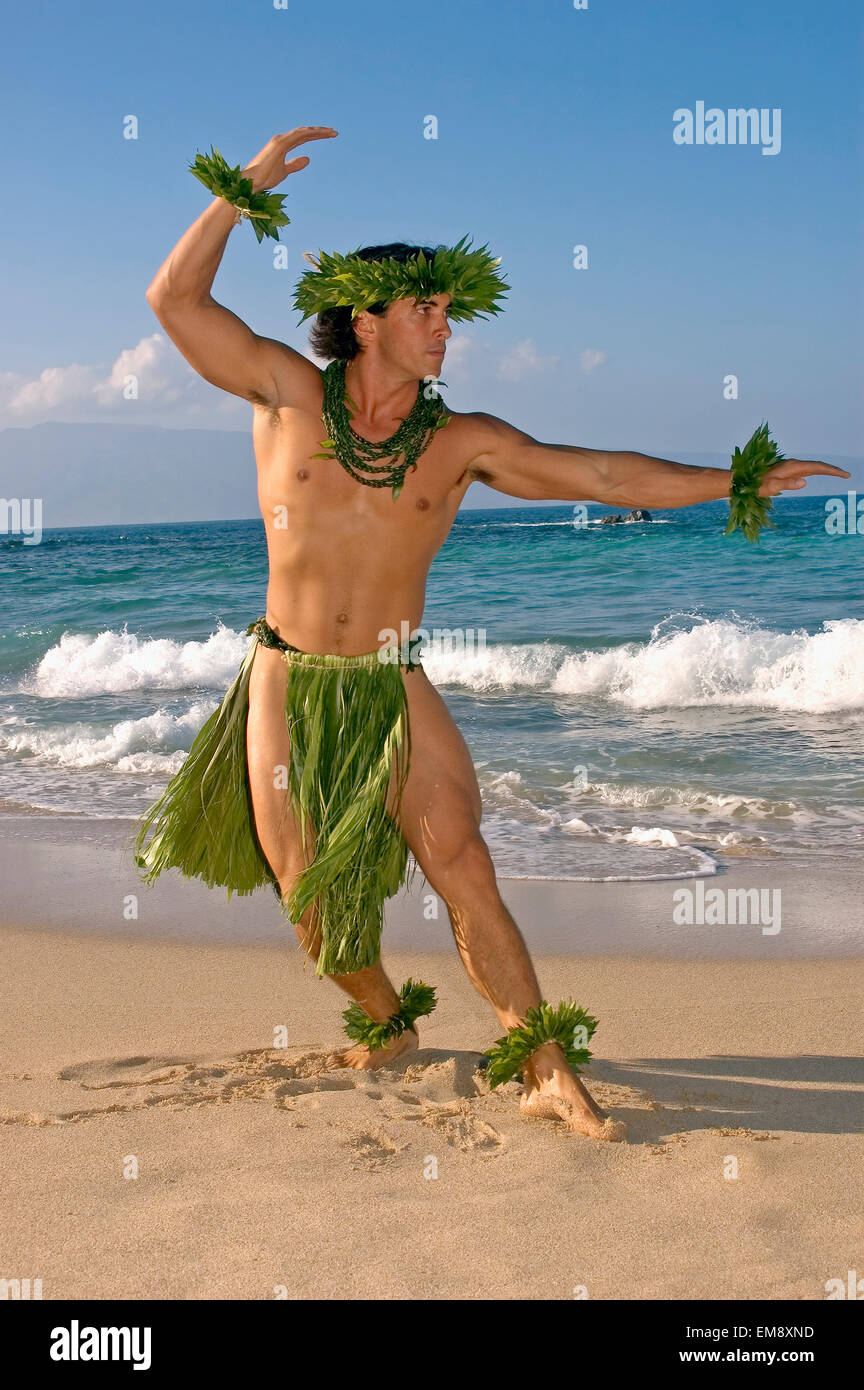 nude male hawaiian dancers