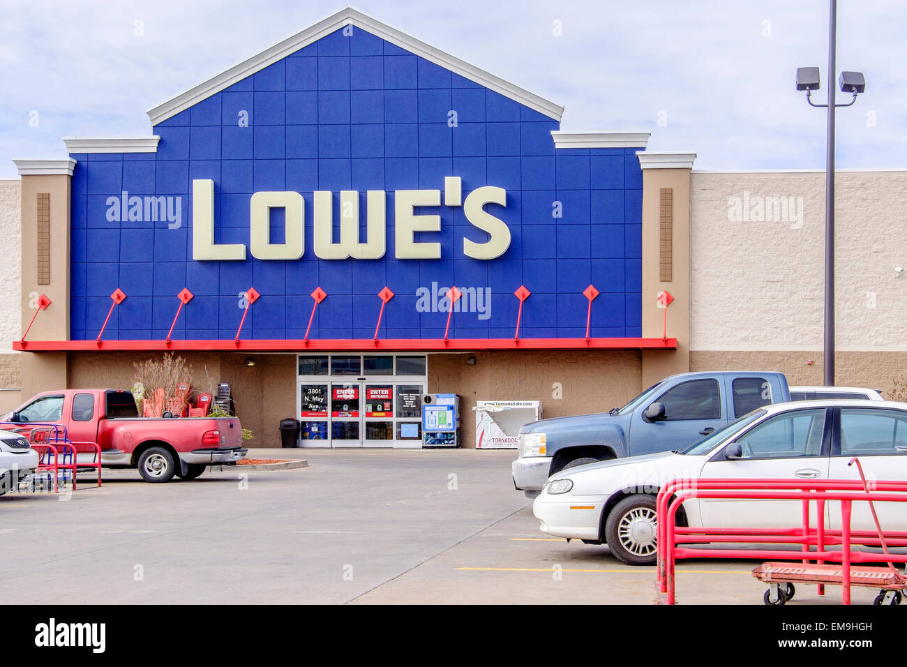 Lowe 39 s building supply business exterior on may avenue for Build on your lot oklahoma