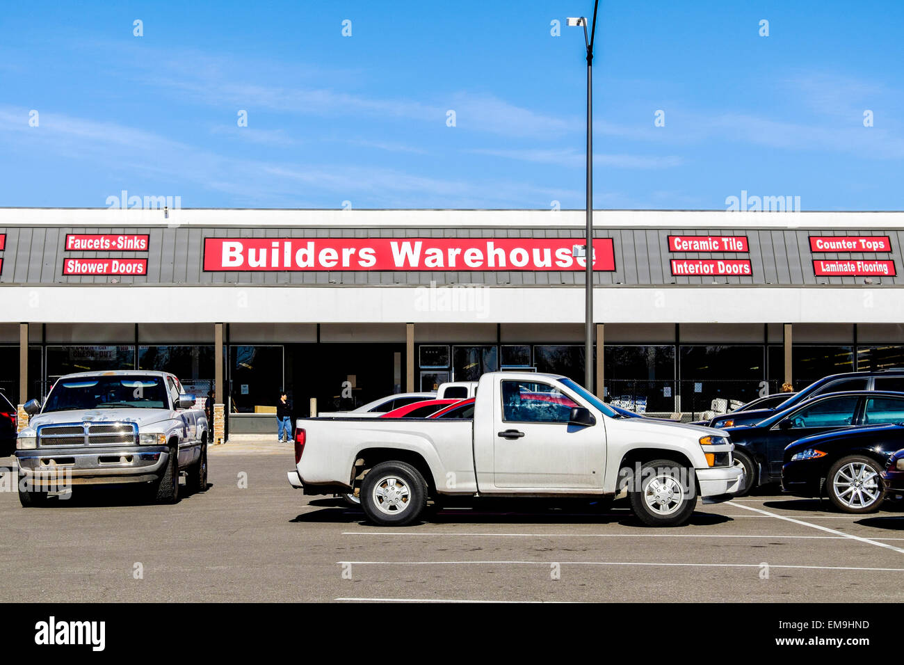 Stock Photo The Storefront Of Builders Warehouse A Business Selling Building Products At Discounted Prices In Oklahoma City Oklahoma Usa