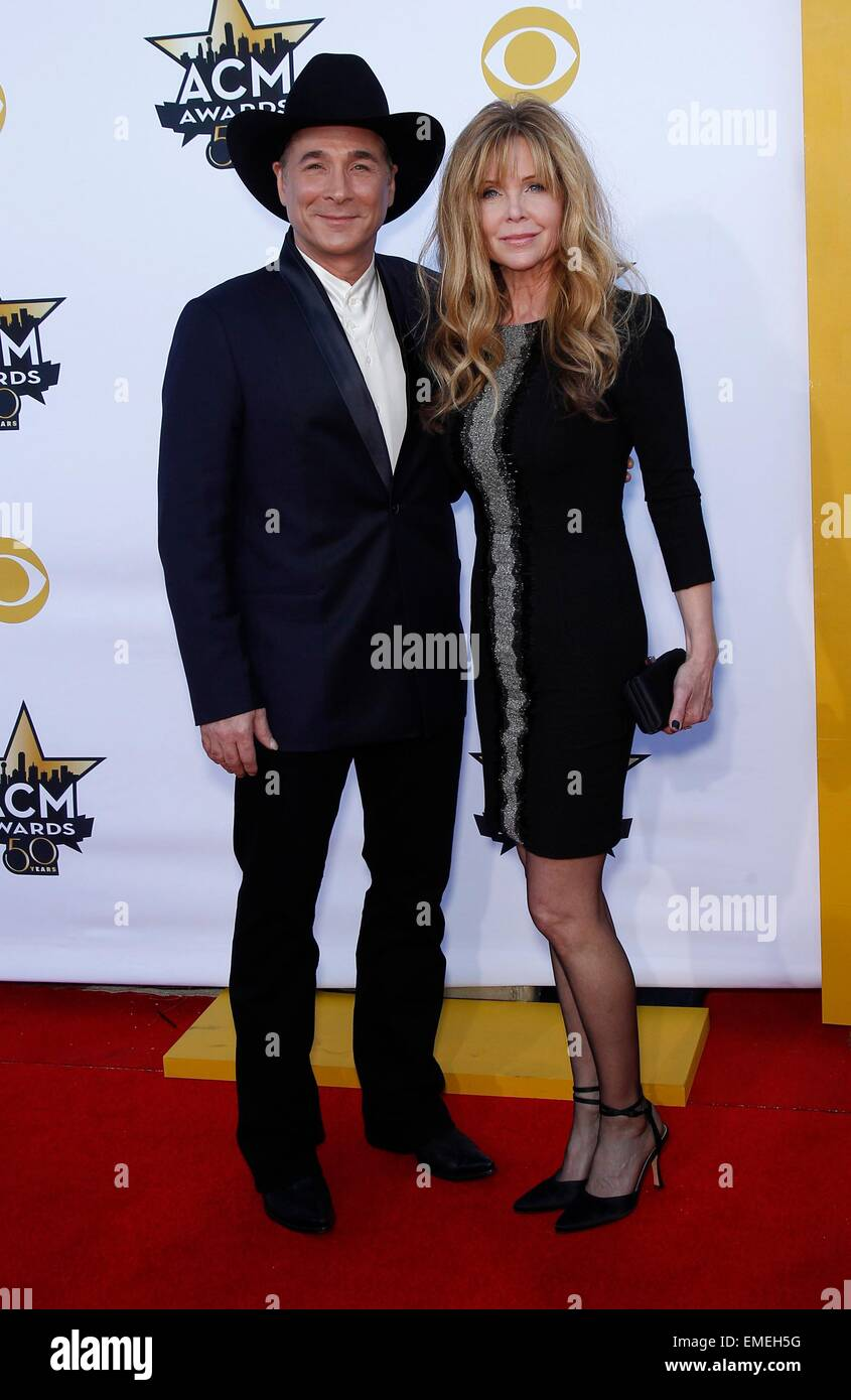 Lisa hartman picture for Clint black married to lisa hartman