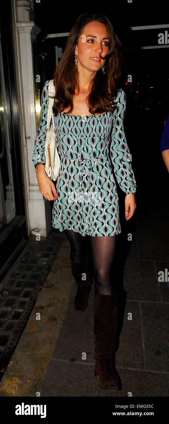 19 London Kate Middleton Leaving Her House