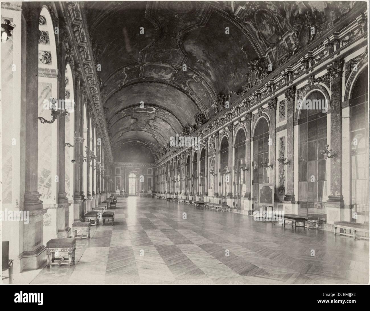 Galerie des glaces hall of mirrors palace of versailles for Architecte des batiments de france versailles