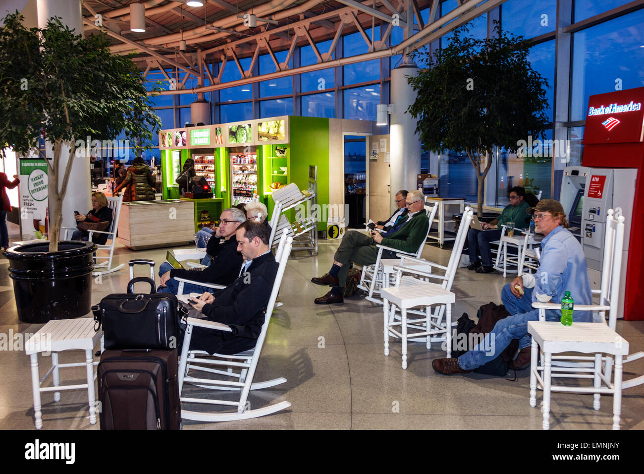 Charlotte North Carolina Charlotte Douglas International Airport Clt Terminal Concourse Gate Area Rocking Chairs Relaxing
