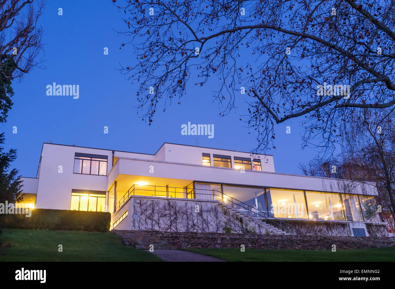 villa tugendhat at dusk mies van der rohe built it between 1928 and stock photo 81612498 alamy. Black Bedroom Furniture Sets. Home Design Ideas