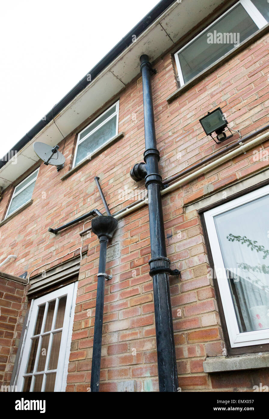 Cast Iron Drain Pipes On A 1950 S House In The Uk Stock