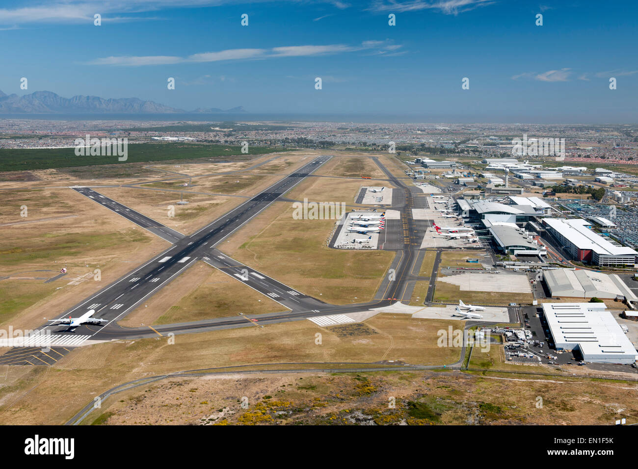 White apron cape town - Aerial View Of Cape Town International Airport South Africa Stock Image