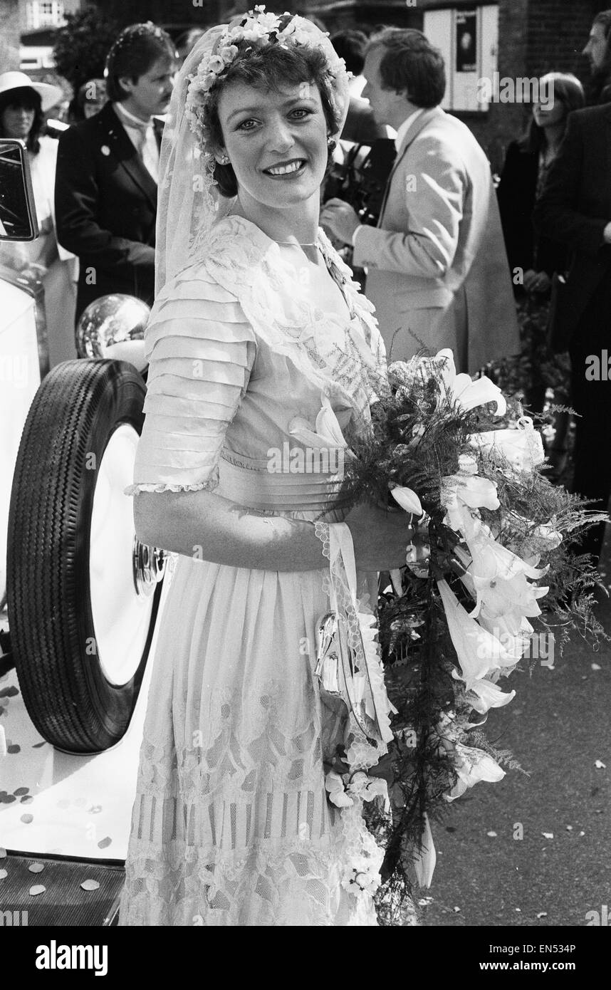 actress sherrie hewson pictured during her wedding to british stock photo  royalty free image