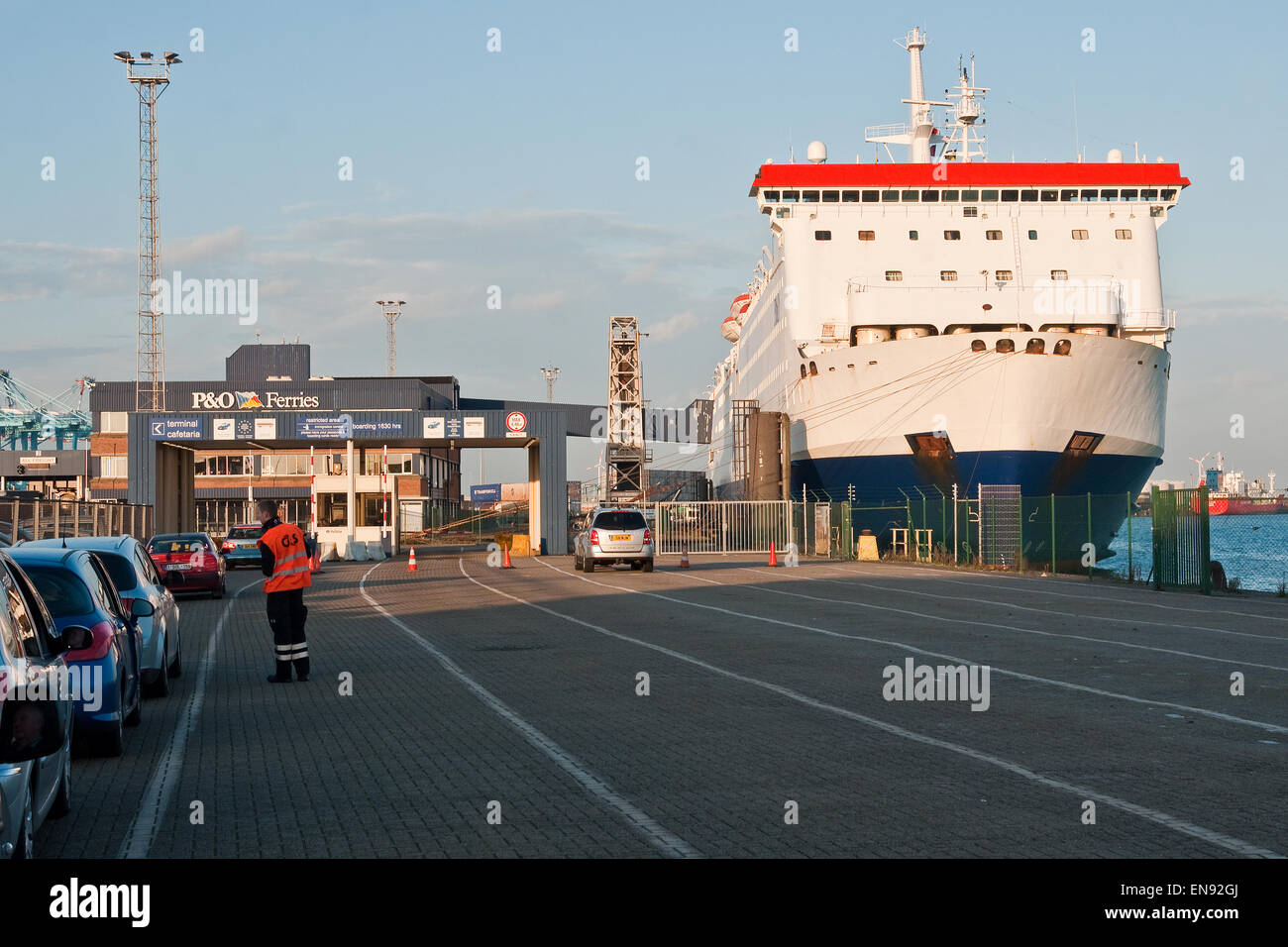 Cars waiting to board the p o vehicle ferry pride of bruges at stock photo 81948850 alamy - Where is zeebrugge ferry port ...