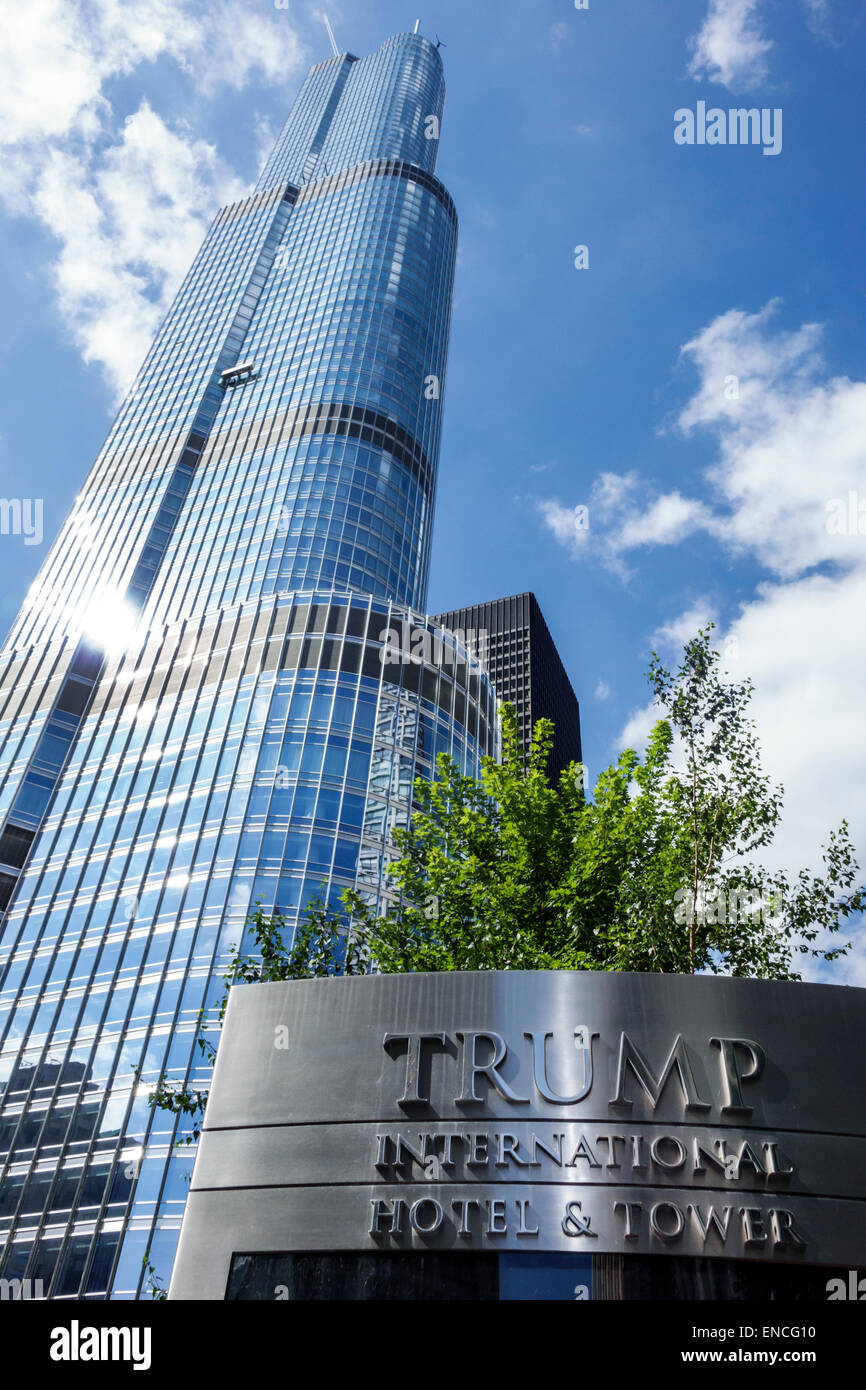 Chicago illinois downtown magnificent mile trump international hotel tower luxury hotel five star rating