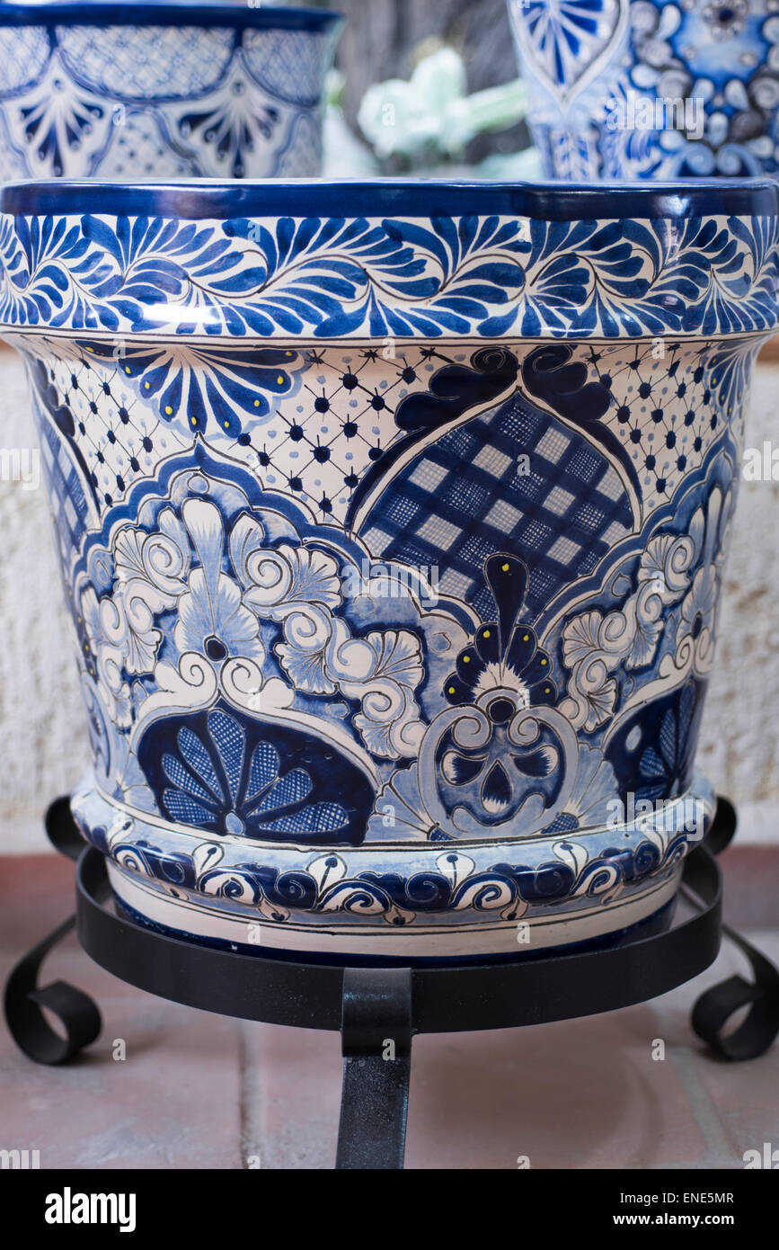 Blue and white pottery - Blue And White Hand Painted Flower Pot In Mexico Pottery Shop