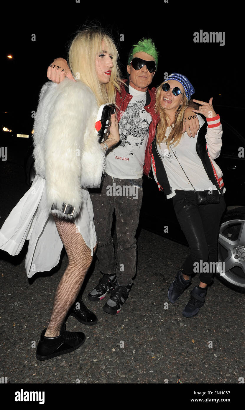 Kate Moss arrives at Jonathan Ross' Halloween party dressed as ...
