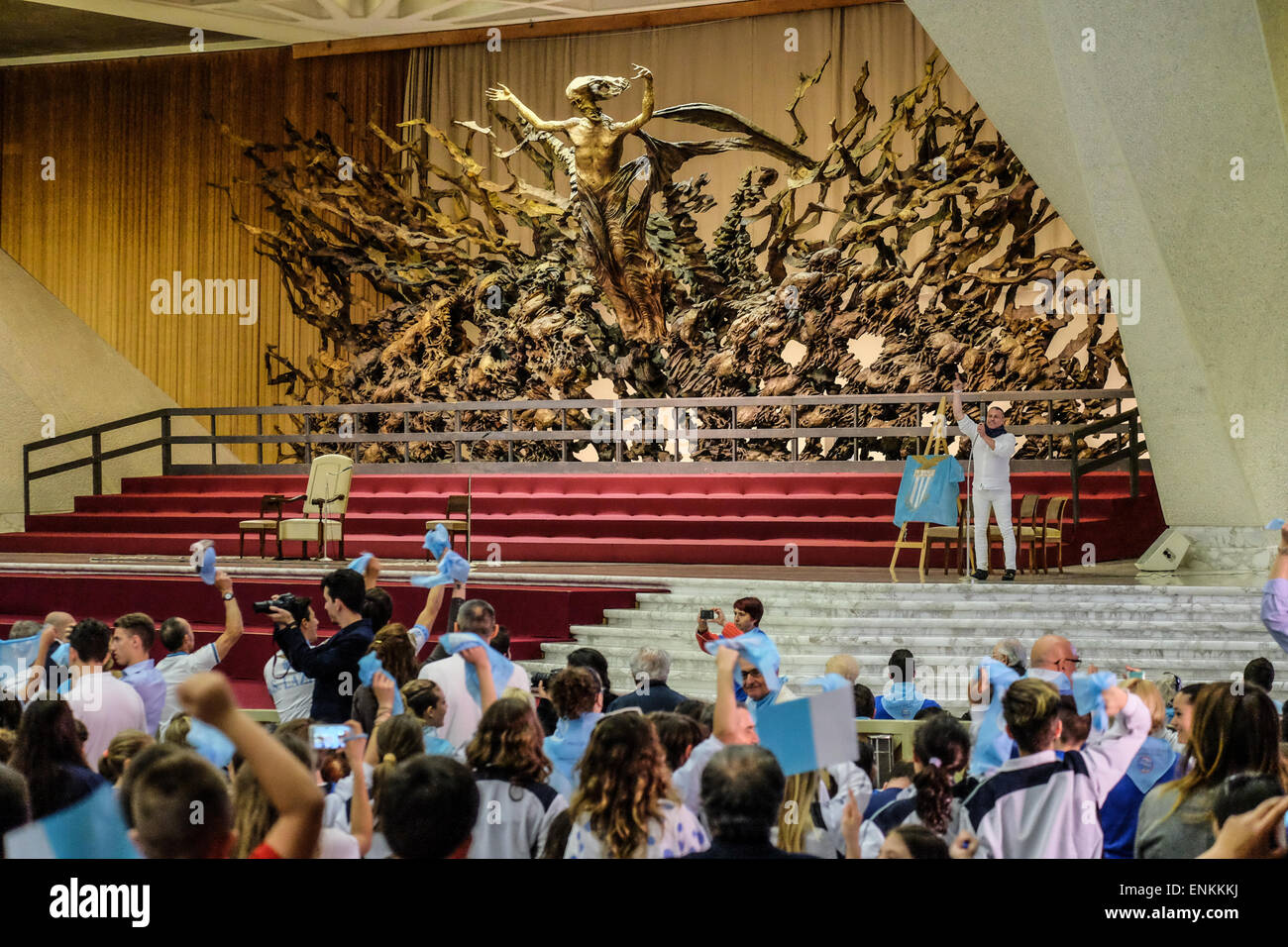nervi-hall-vatican-city-7th-may-2015-the-football-club-ss-lazio-in-ENKKKJ.jpg