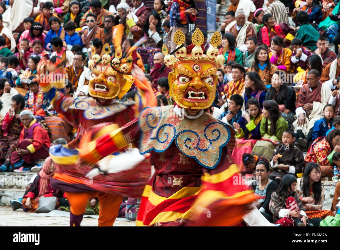 Dance of terrifying deities (Tungam) at Paro religious festival ...