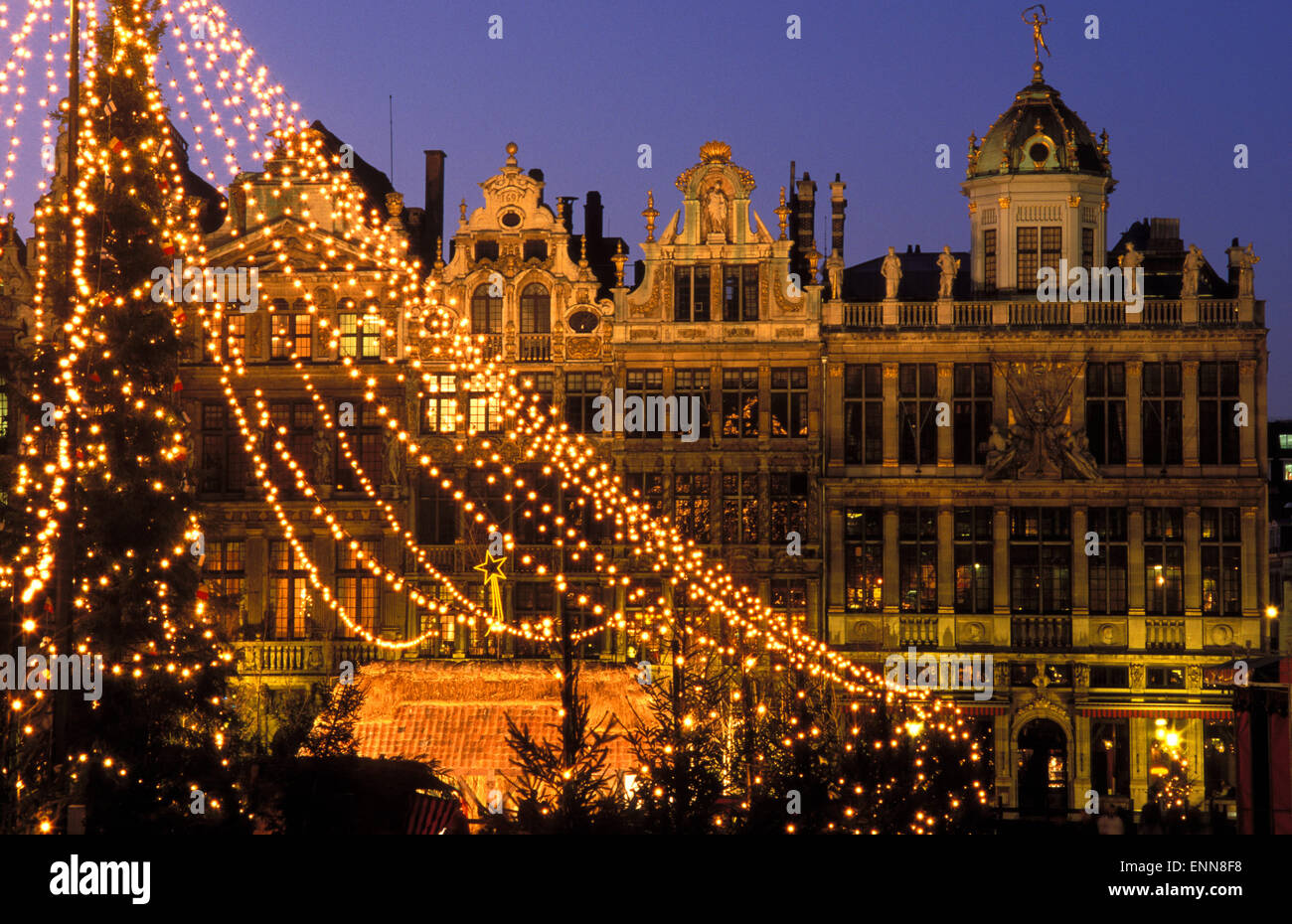 bel belgium brussels the grand place at christmas time. Black Bedroom Furniture Sets. Home Design Ideas