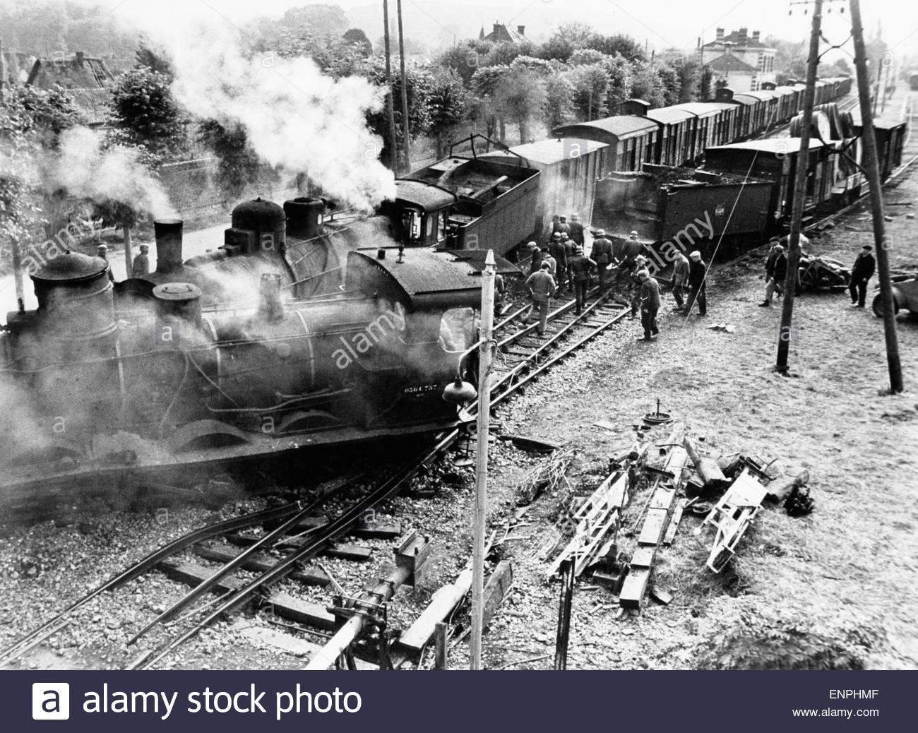 ผลการค้นหารูปภาพสำหรับ the  train