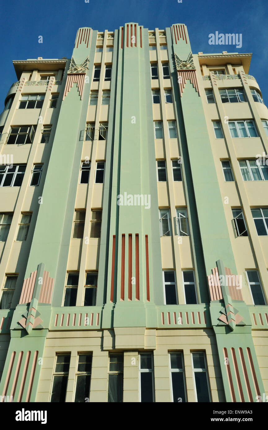 Art deco style architecture - Lines And Details Of Traditional Art Deco Style Building Surrey Mansions Apartments Durban South Africa Architecture Historical