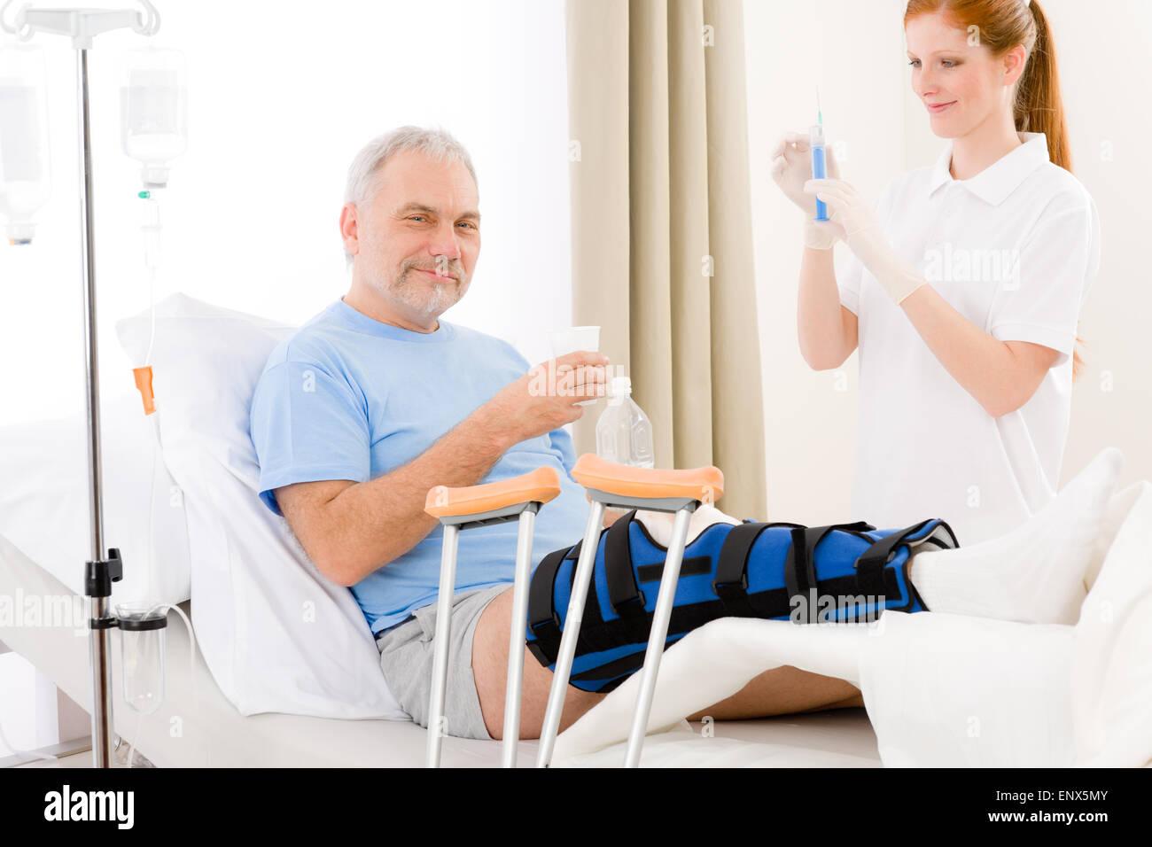 Снял медсестру в больнице 10 фотография