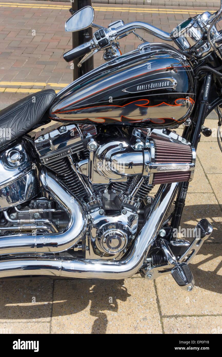 Engine detail 2014 harley davidson screamin eagle 110 cubic inch engined fxsbse cvo breakout sport custom