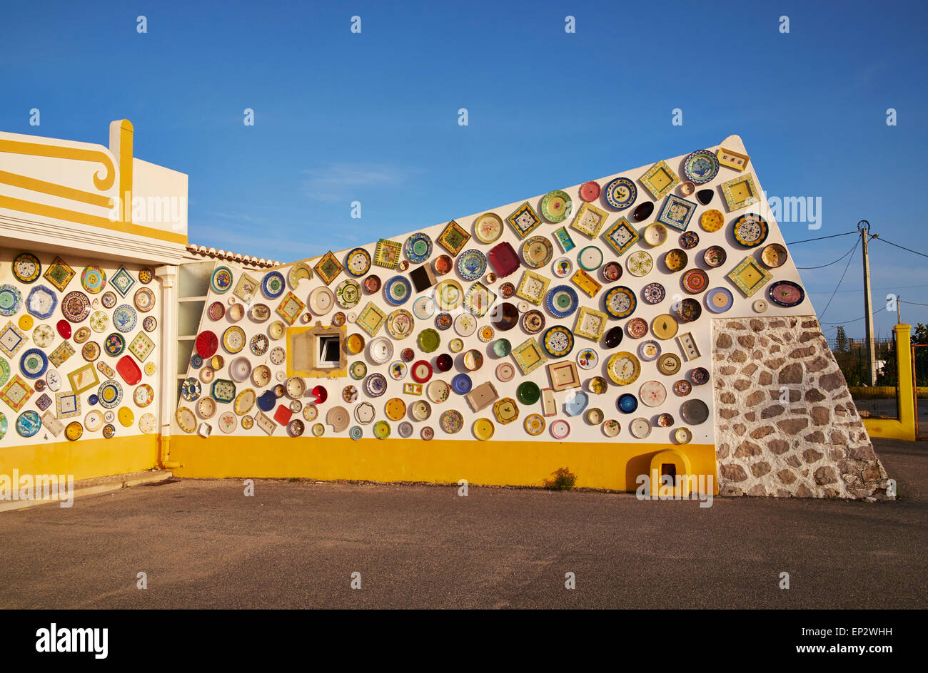 Argila Artesanato Onde Comprar ~ Portugal, Algarve, Sagres, wall with traditional Portuguese ceramics Stock Photo, Royalty Free