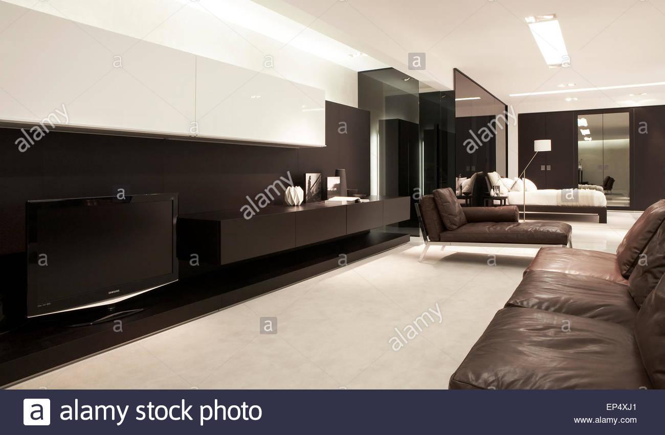 Showroom Living Room Living Room Area Poliform Showroom London London United Kingdom