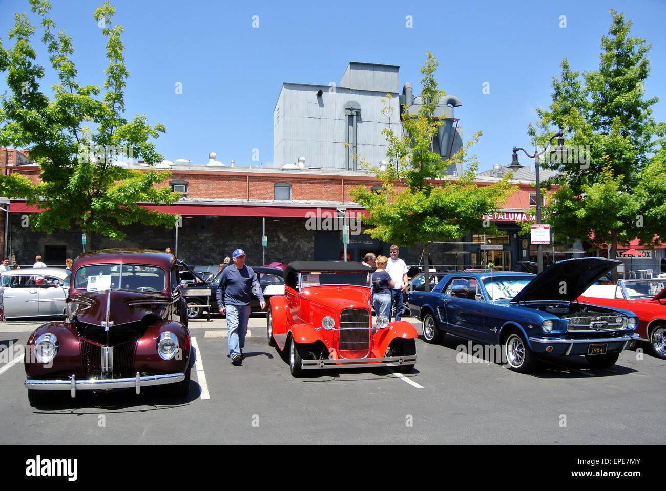 Petaluma, California, USA. 17th May, 2015. classic cars on display ...