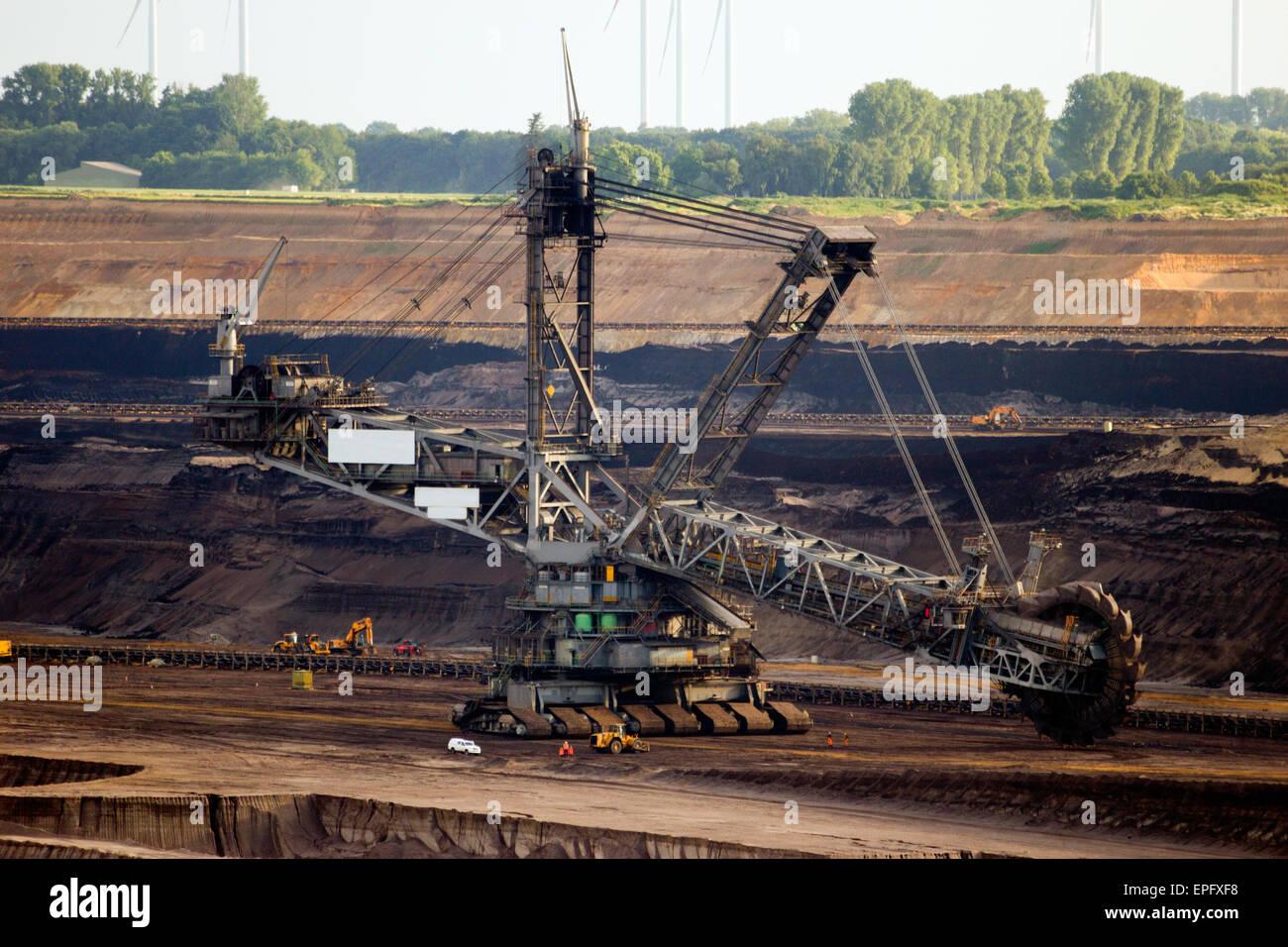 giant excavator - photo #43