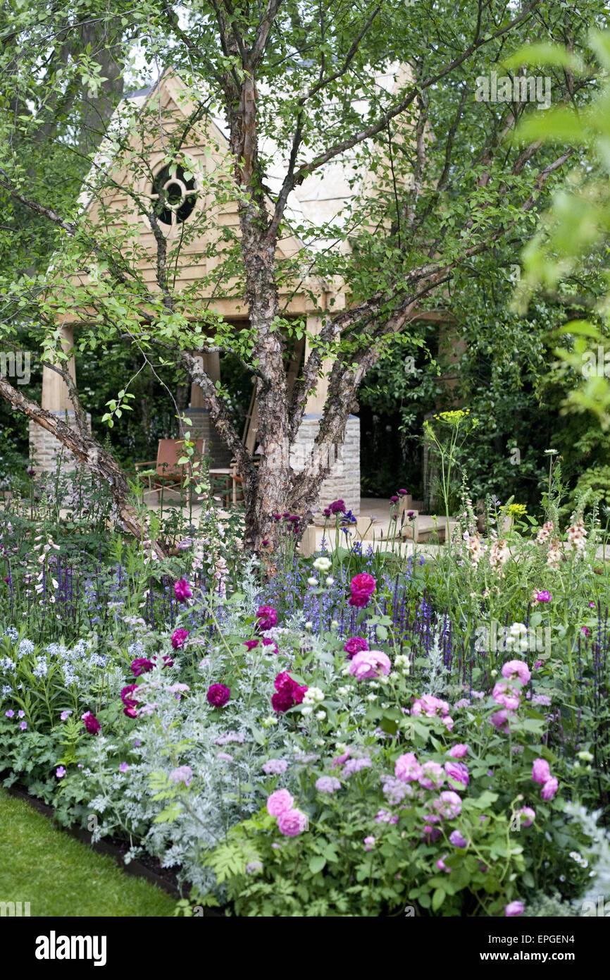 18th may 2015 the mg garden 2015 retreat by jo thompson features a two storey oak building inspired by famous writers retreats and a large natural - Large Garden 2015
