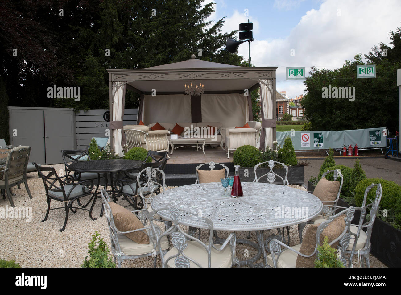 Chelsea, London, UK. 19th May, 2015. Garden Furniture For Sale At Chelsea  Flower Show 2015. Credit: Keith Larby/Alamy Live News