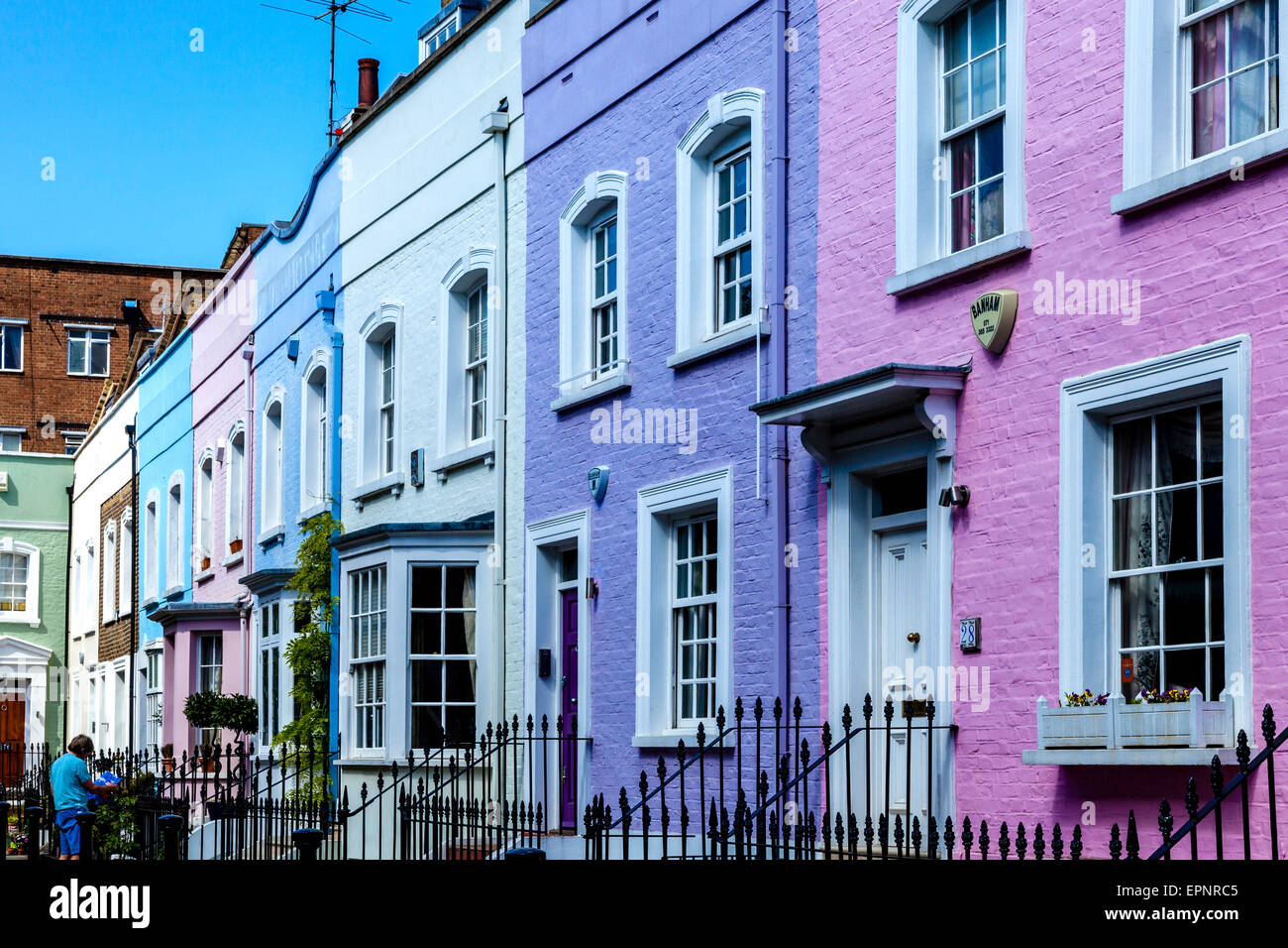 Colourful houses off the king 39 s road chelsea london for King s fish house