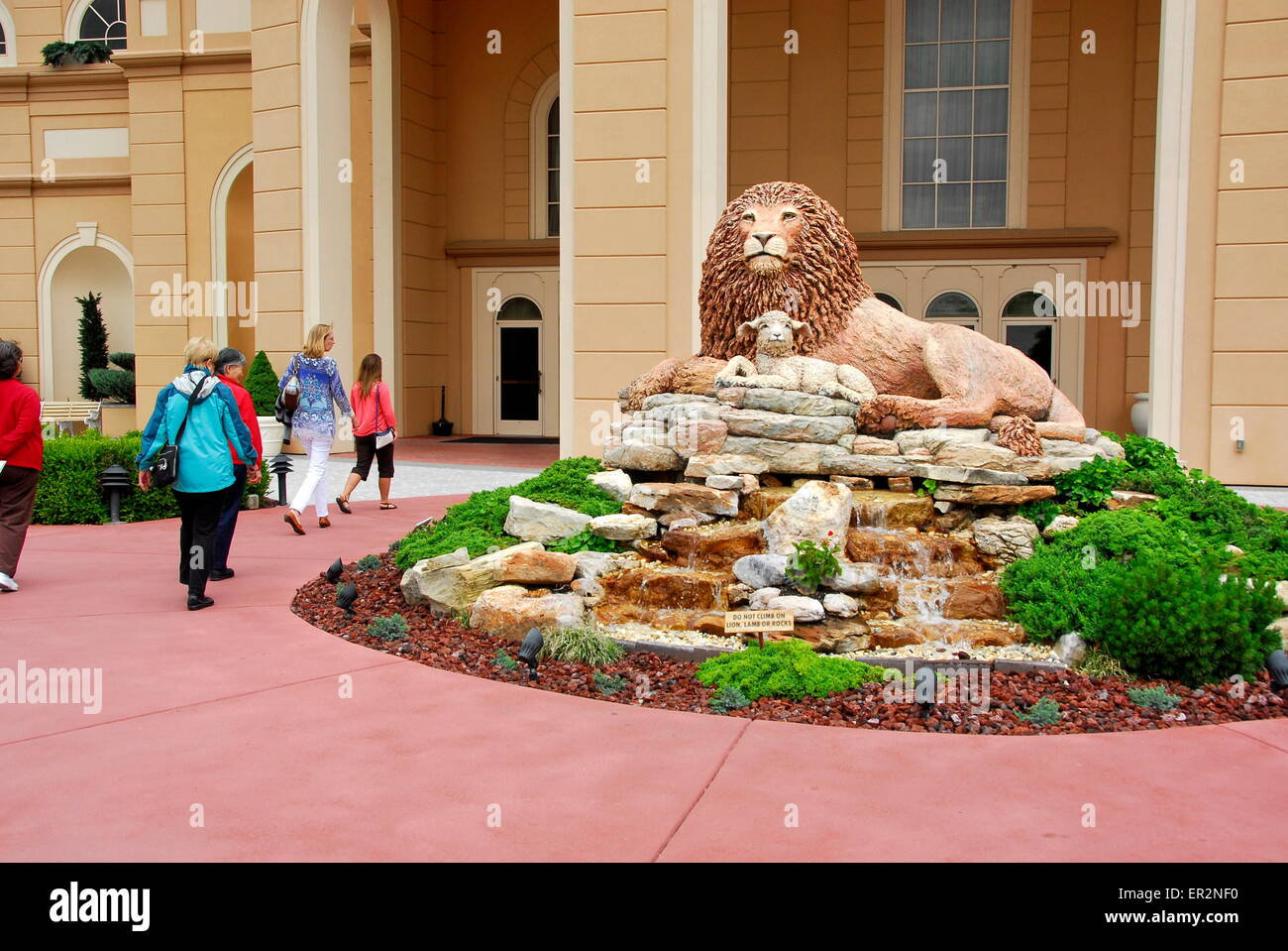 lion and lamb statue at the sight and sound theatre in branson