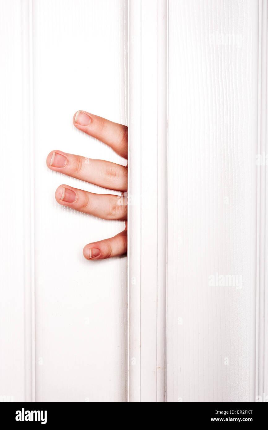 Fingers slammed in door & Fingers slammed in door Stock Photo: 83040268 - Alamy
