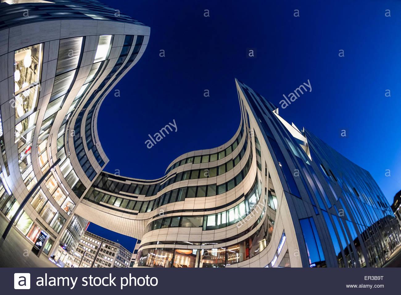 Duesseldorf germany kö bogen office shopping complex luxury arcade centre curved design daniel libeskind architect