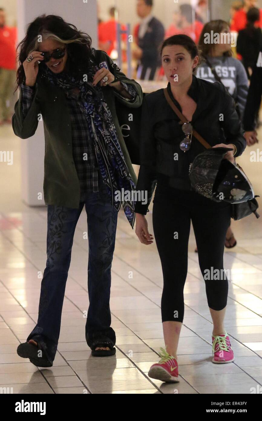 Steven Tyler Wife 2014 Www Pixshark Com Images