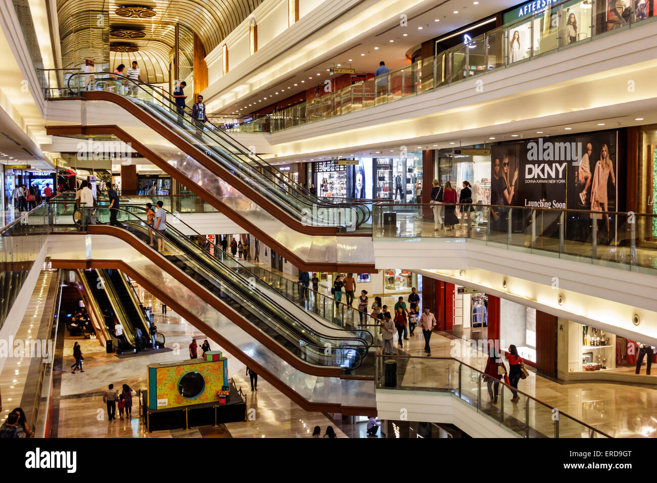 mall culture in mumbai The mall provides its customers the best  fun, culture and ambience, phoenix marketcity heralds a new era for destination shopping in mumbai for the entire.