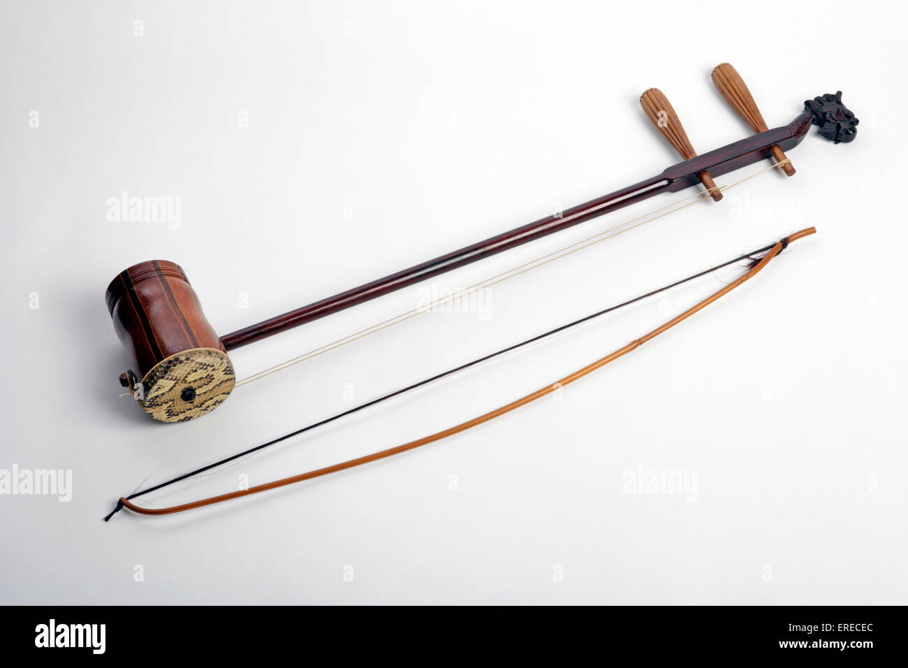 Erhu with its bow. Chinese 2 stringed instrument Stock ...