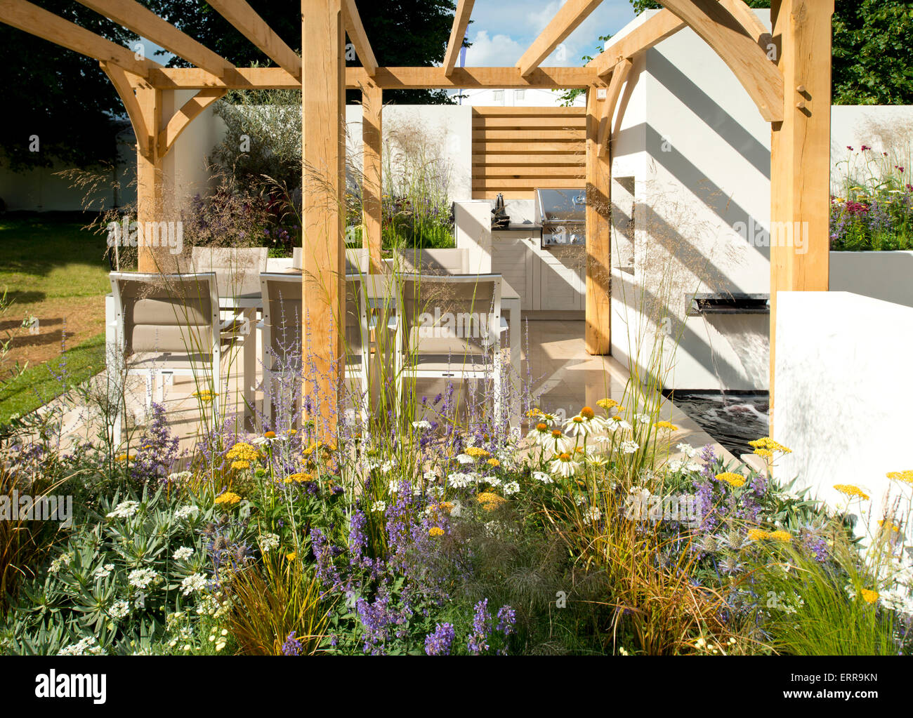 Bobby Flay Outdoor Kitchen Show Cooking Stock Photos Show Cooking Stock Images Alamy