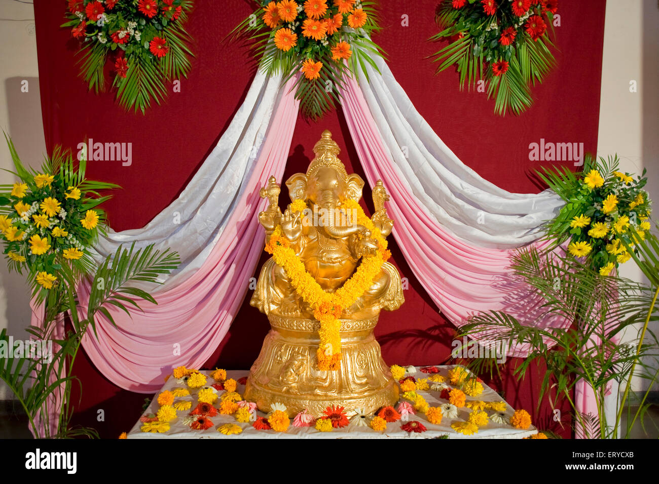 statue of lord ganesh elephant headed god welcome