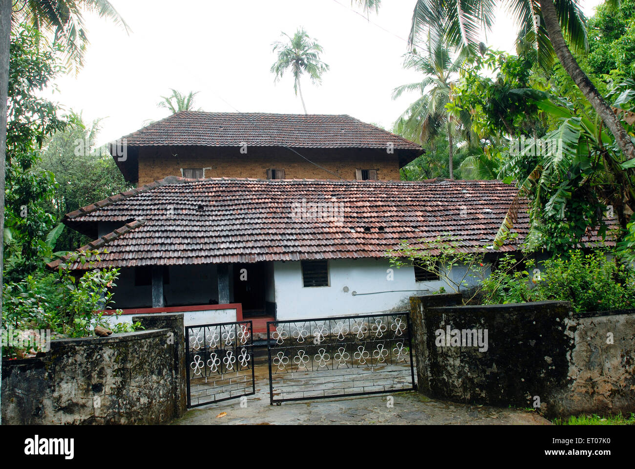 175 years old traditional house of namboothiries keralite for Old traditional houses