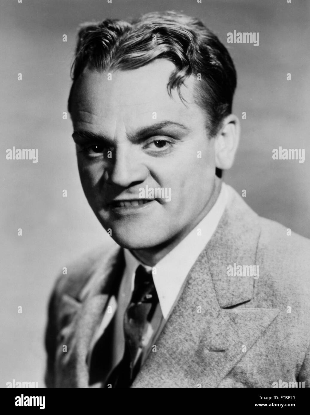 james cagney actorjames cagney rita hayworth, james cagney height, james cagney yankee doodle dandy, james cagney and joan blondell, james cagney and bob hope, james cagney 1935, james cagney jr, james cagney documentary, james cagney filmleri izle, james cagney actor, james cagney movies, james cagney imdb, james cagney you dirty rat, james cagney public enemy, james cagney wikipedia, james cagney top of the world, james cagney interview, james cagney dancing down stairs, james cagney ragtime, james cagney stairs