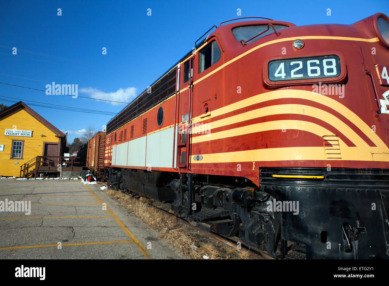 Electro Motive Diesel >> Retired Boston and Maine F7A #4268 diesel train engine the ...