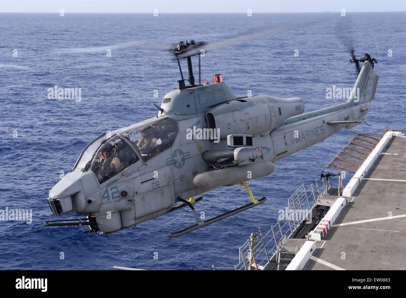 Marine Helicopters Cobra | www.imgkid.com - The Image Kid ...