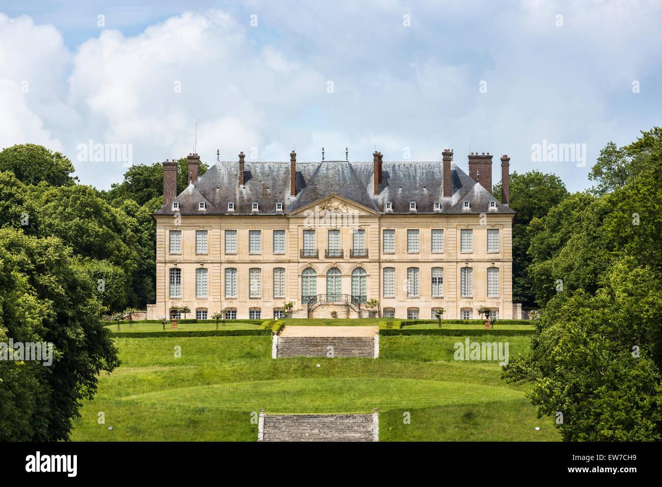 chateau at domaine de villarceaux chaussy ile de france. Black Bedroom Furniture Sets. Home Design Ideas