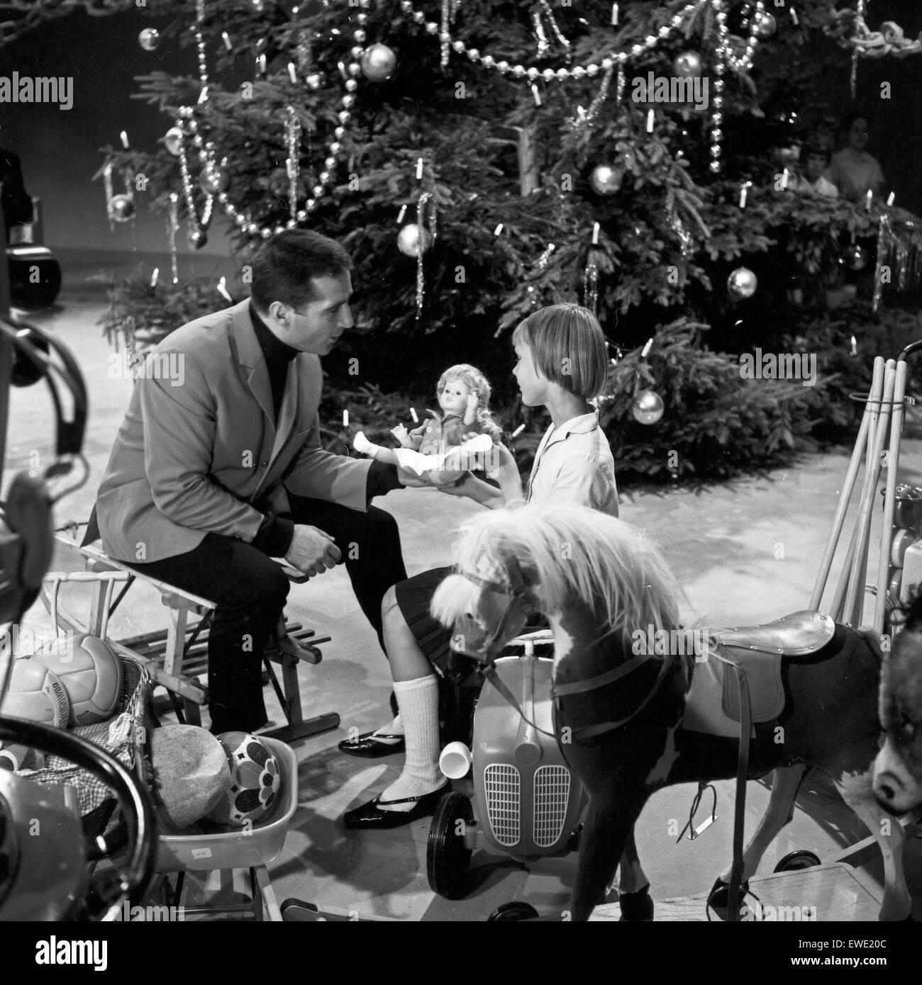 weihnachten mit freddy quinn deutschland 1960er jahre christmas stock photo royalty free. Black Bedroom Furniture Sets. Home Design Ideas