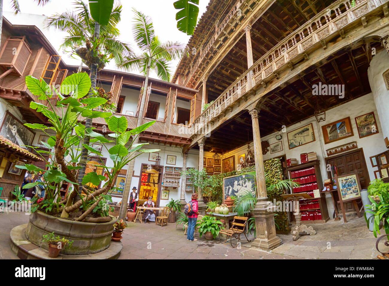 Casa de los balcones la orotava tenerife canary islands for Casa de los