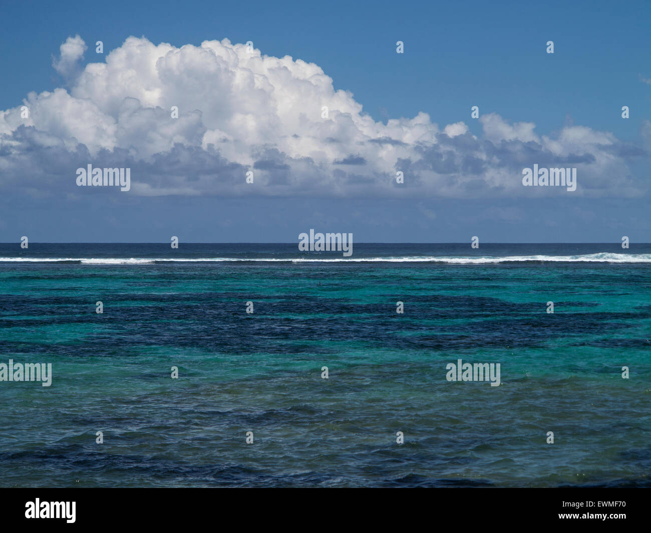 barriere de corail Blue Bay ile Maurice Stock Photo, Royalty Free ...
